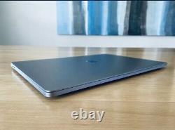 2019 16 MacBook Pro 2.4GHz i9 8-Core/64GB/4TB Flash/5500M 8GB GPU/ AppleCare+